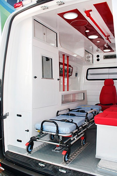 transformação de ambulancia sprinter mercedes